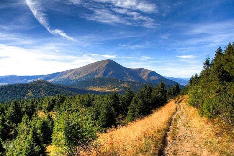 фото похід на гору Петрос - AtomTravel